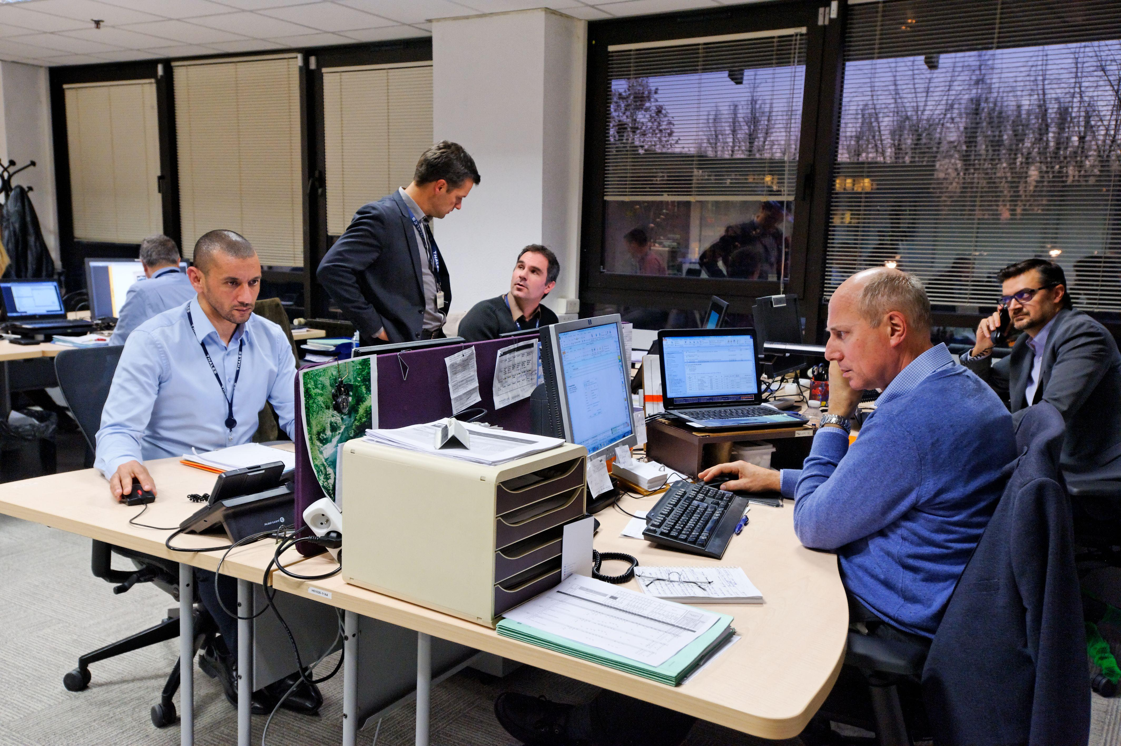 Customer support for land optronics - Thalesgroup