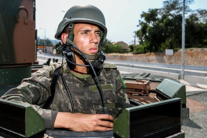 Brazilian soldier operating SOTAS system on Guarani vehicle - Thalesgroup
