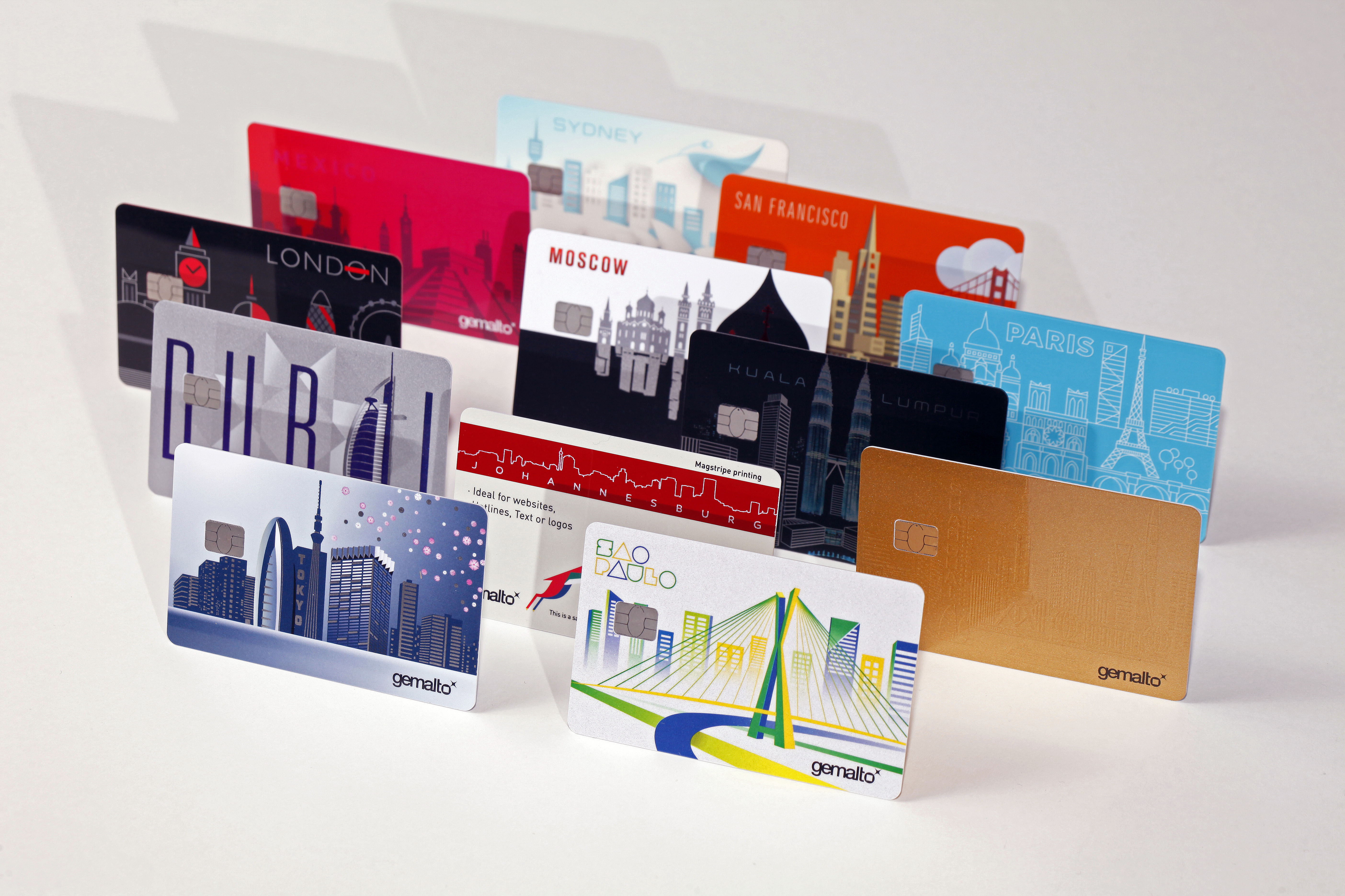 innovative plastics for credit cards